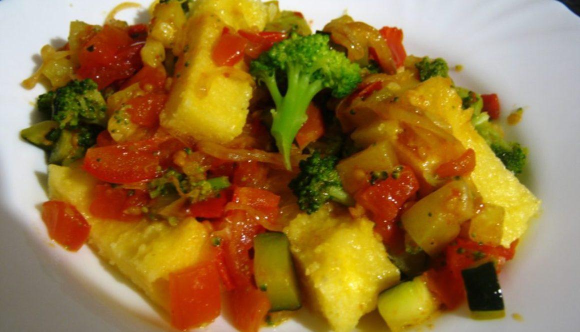Polenta se zeleninou (Frascatula di polenta di grano e verdure)